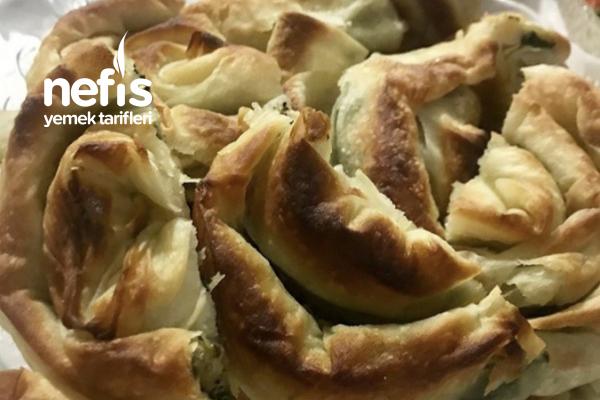 Çıtır Çıtır Ispanaklı Börek Tarifi