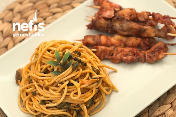 Ispanaklı Kremalı Mantarlı Spagetti Ve Tavuk Şiş Tarifi