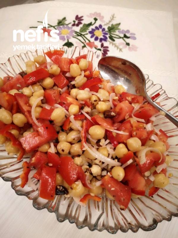 Nohutlu Leziz Salata