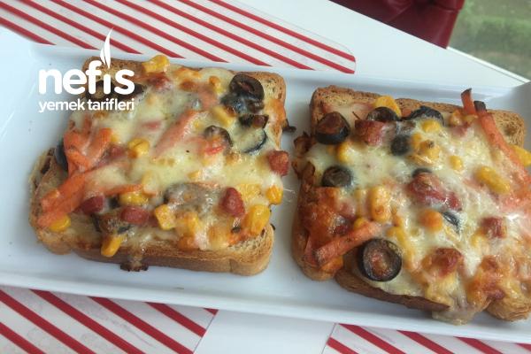 Ekmek Üstü Pizza Tarifi