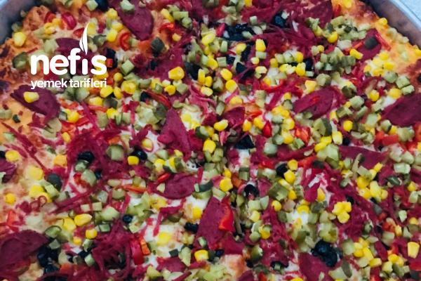 Pizza (Tadı Muhteşem) Tarifi