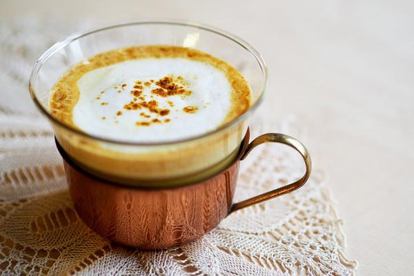 Altın Süt Nedir? 8 Muhteşem Faydası, Nasıl Yapılır?