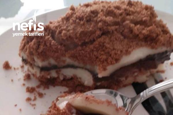 Çok Pratik Katlamalı Pasta Tarifi (Yedikçe Yediren)