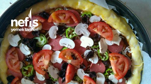 Karışık Pizza Efnanlı Sosuyla Harika