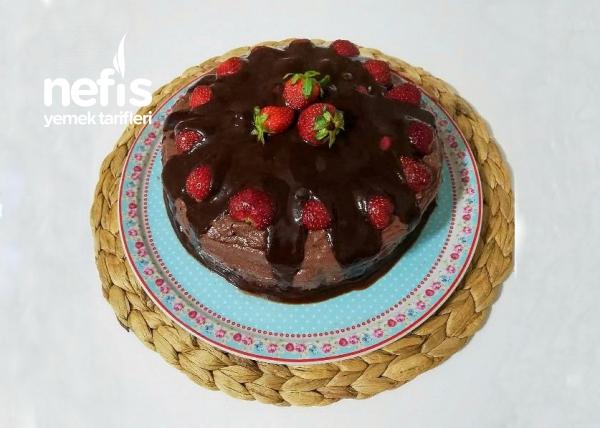 Pratik Çilekli Yaş Pasta (Enfes)