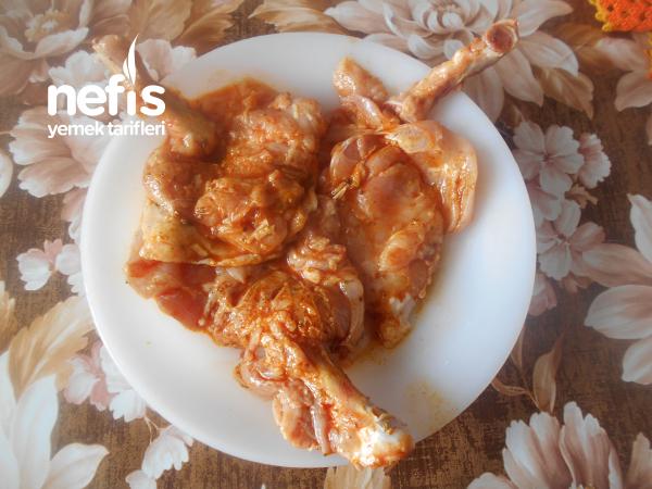 Limon Kabuğu Rendeli Soslu Sebzeli Fırında Tavuk Pirzola