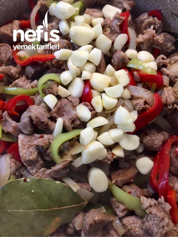 Milföy Çanağında Sebzeli Kavurma (Bardak Kebabı)