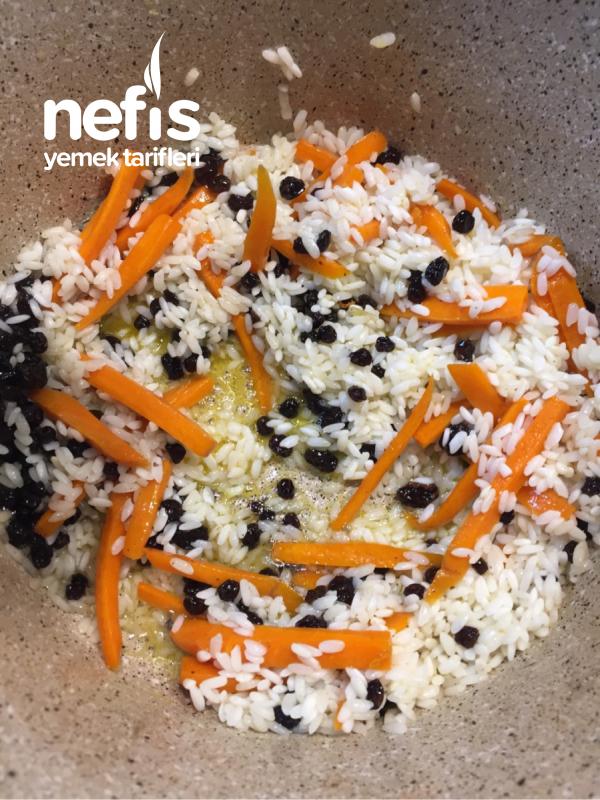 Üzümlü Havuçlu Pirinç Pilavı
