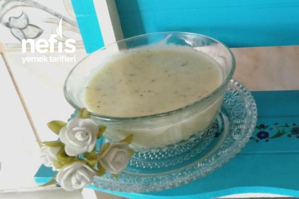 Anne'den Kıza Yadigar Yoğurt Çorbası