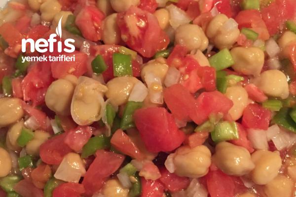 Yaz Usulü Nohut Salatası Tarifi