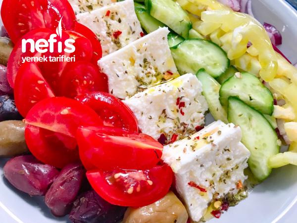 Gökkuşağı Yunan Salatası