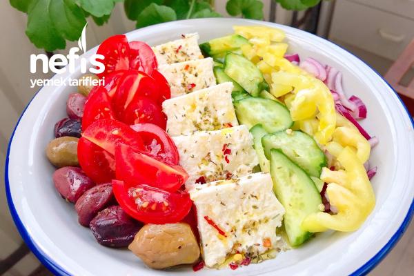 Gökkuşağı Yunan Salatası Tarifi