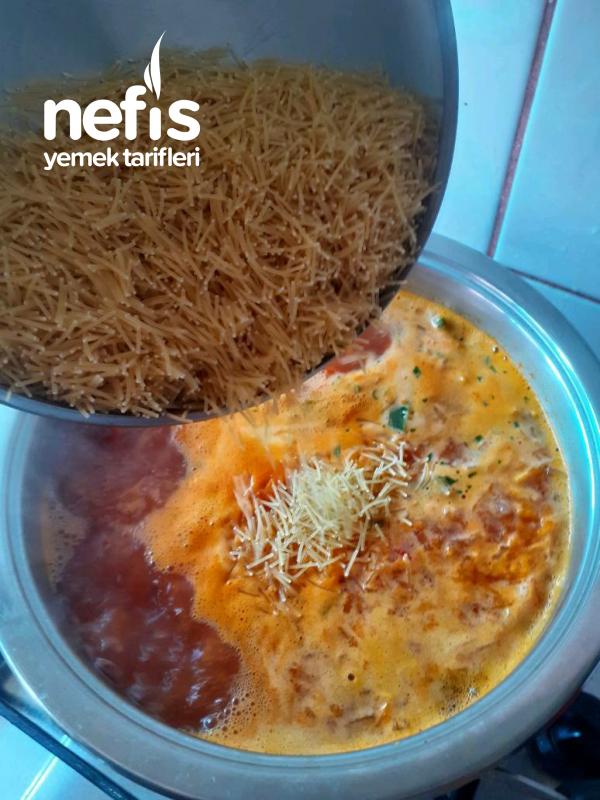 Sebzeli Tel Şehriye Çorbası
