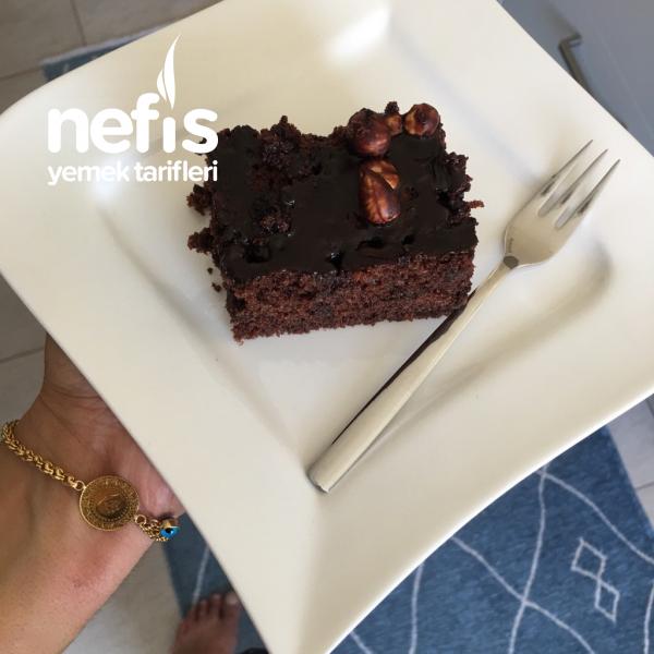 Brownie Tadında Pufidik Islak Kek