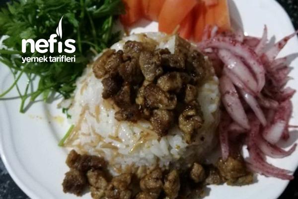 Et Kavurma Yanında Pirinç Pilavı Tarifi