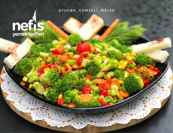 Harika Lezzetiyle Şifalı Brokoli Salatası