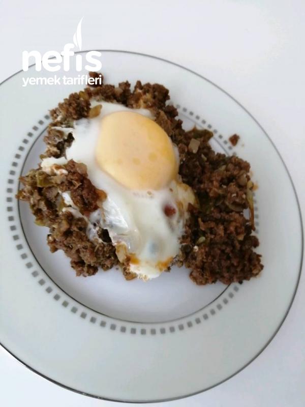 Kıymalı Yumurtalı Pratik Yemek
