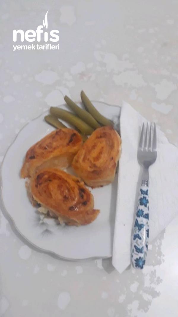 Pratik Kol Böreği