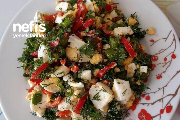 Yumurta Salatası ( Diyet Yapanlar İçin ) Tarifi