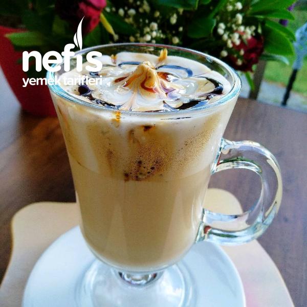 Bol Köpüklü Sütlü Kahve ( Cappuccino )