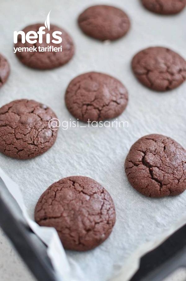 Çikolatalı Kurabiye (Browni Tadında)