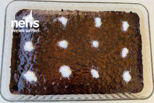 Browni Tadında Islak Kek Tarifi