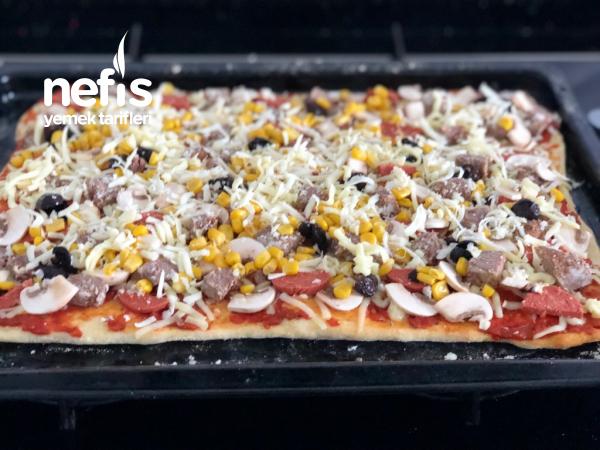 Kavurmalı Pizza
