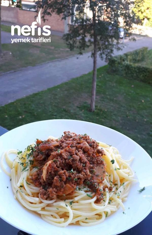 Kıymalı Mantarlı Spagetti Sosu (Leziz Mi Leziz)