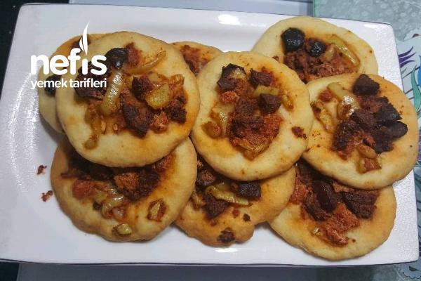 Mayasız Mini Pizza Tarifi