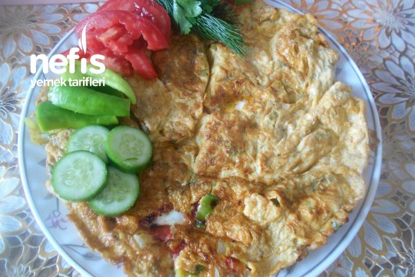 Peynirli Sebzeli Baharatlı Omlet Tarifi