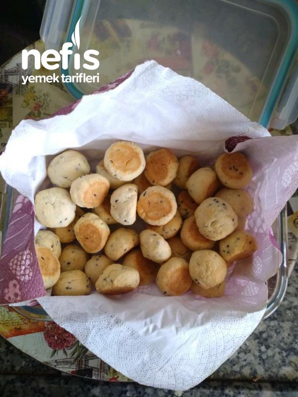 Tuzlu Pastane Kurabiyesi (Az Malzemeli)