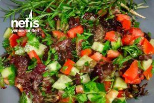Biberiyeli Yeşil Salata Tarifi