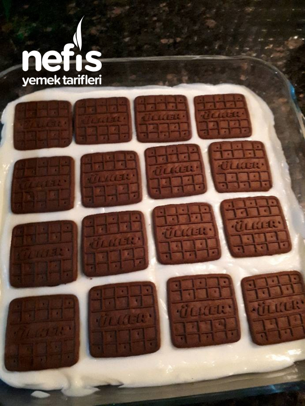Çikolata Soslu Muhallebili Bisküvi Rüyası