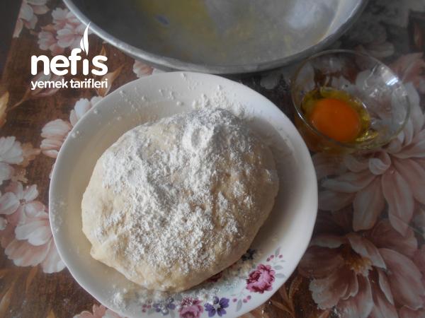 Elde Açma Ispanaklı Peynirli Gül Börek
