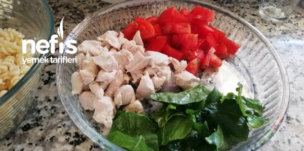 Enfes Makarna Salatası