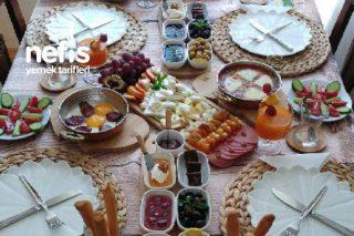 Misafirleriniz İçin Pazar Kahvaltısı Menüsü Tarifi