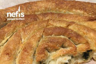 El Açması Sanılan Hazır Yufkadan Ispanaklı Börek Tarifi