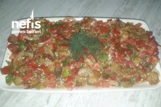 Köz Patlıcanlı Biber Salatası Tarifi