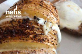 Fırında Kaşarlı Tüm Patates Tarifi
