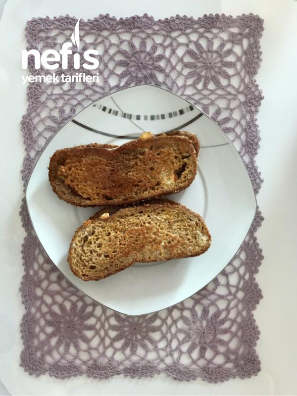Kaşarlı (Yumurtalı Ekmekten) Tost