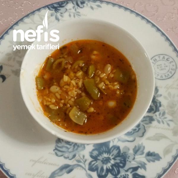 Bulgurlu Yeşil Fasulye Çorbası