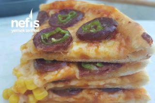 Sucuk Sever Pizza Tarifi