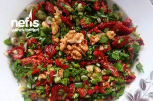 Kuru Domates Salatası Enfes Gün Menülerinin Vazgeçilmezi Olacak Tarifi