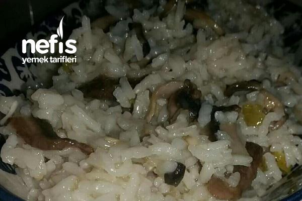 Mantarlı Biberli Soğanlı Pirinç Pilavı Tarifi