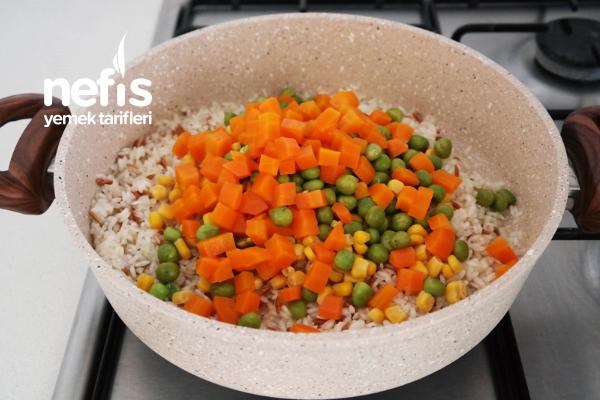 Tereyağlı Sebzeli Pirinç Pilavı