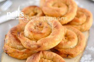 Çıtır Pırasalı Börek (El Açması Tadında) Tarifi