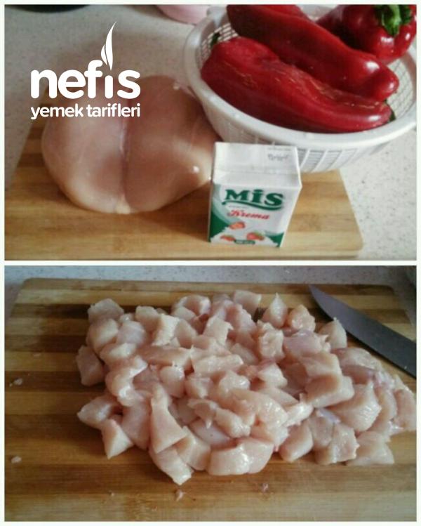 Kırmızı Biber Çanağında Kremalı Tavuk