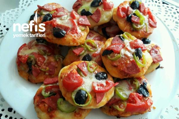 Tavada 5 Dakikada Mini Pizzalar Tarifi