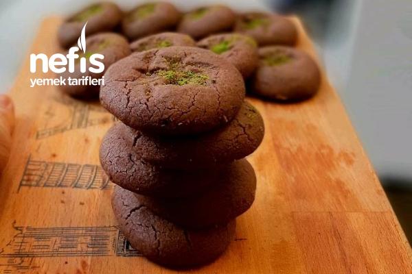 Çok Az Malzemeli Ağızda Dağılan Kakaolu Fındıklı Kurabiye Tarifi