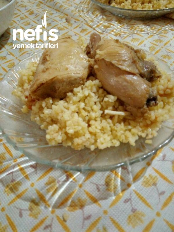 Domatesli Bulgur Pilavı Üstü Tavuk